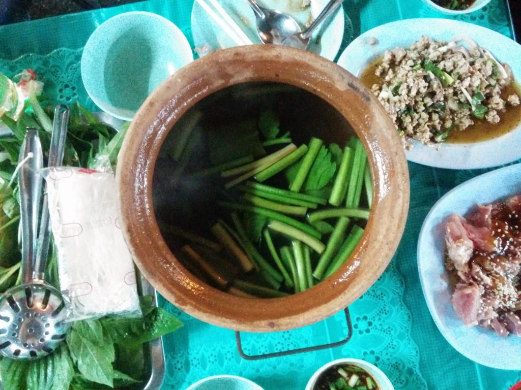タイの香草がたっぷり