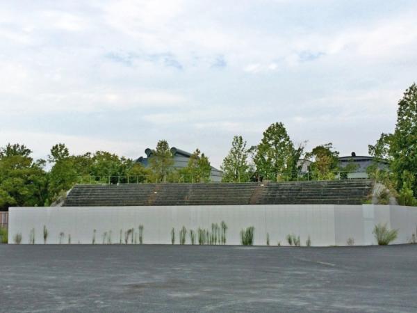 野球ファンとしてはさまざまな思い出が走馬灯のように流れる、広島市民球場のライトスタンド(跡地)。