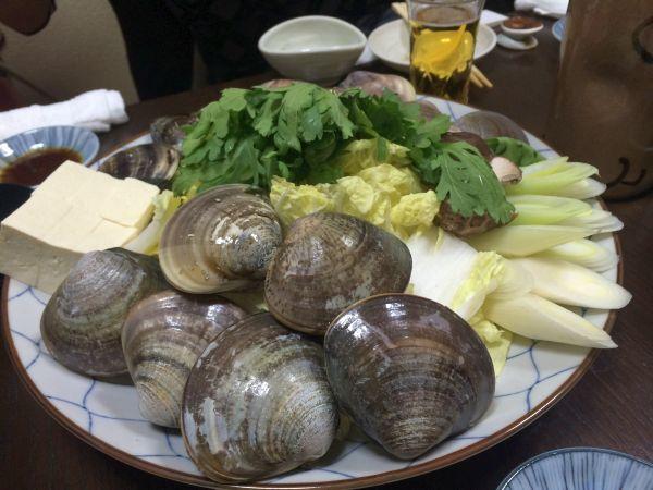 蛤いろいろ。今回は茨城産、中国産、そして産地として有名な桑名産の3種類を楽しめました。