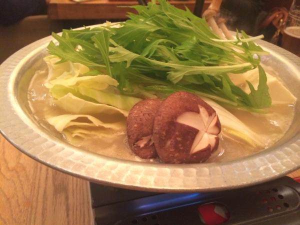 まずはスープを楽しんでから、野菜を入れて。