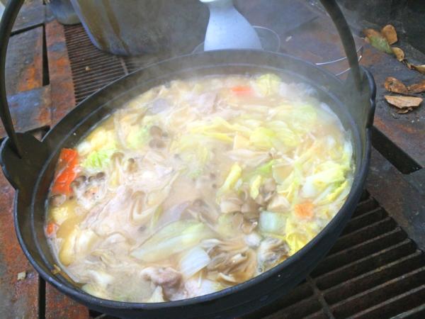 豚肉を入れて煮込めば完成。こっちも美味そう!