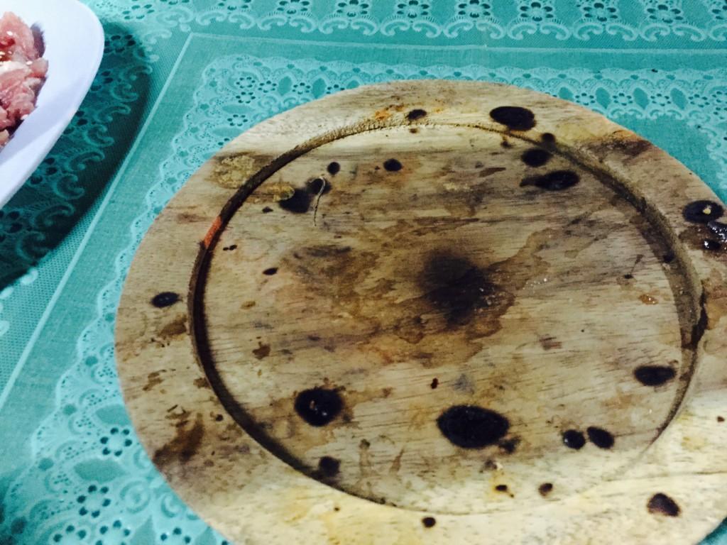 木製の鍋敷き。実は安定性が低い