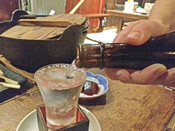 今日も日本酒いただきました。 こちらは「黄まんさく」。