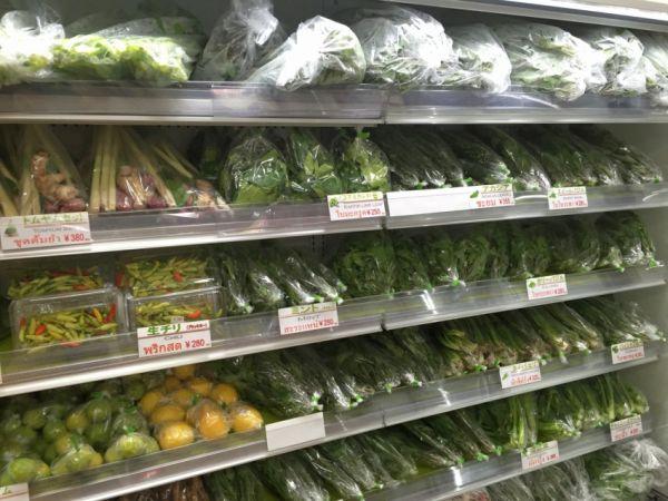 とくに注目したいのが豊富な野菜。珍しい香草がたくさん。