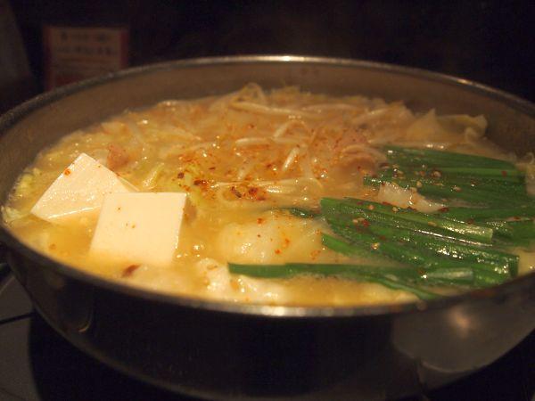 白味噌のもつ鍋。