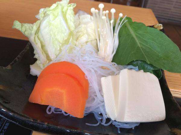 野菜。たっぷり摂れるのが鍋の良いところ。