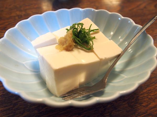 名物の豆腐。冷や奴で。
