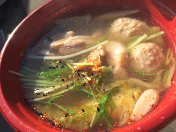 鴨の濃厚な味、つくね、野菜が絶品。 出汁ではここのが一番だった!