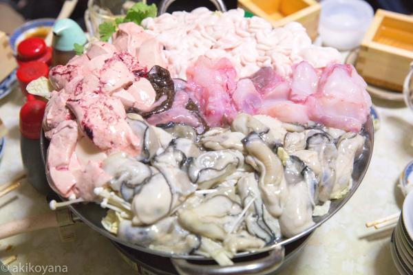 旬の鍋。白子、牡蠣、鮟鱇、鮟肝! ((c) akikoyana)