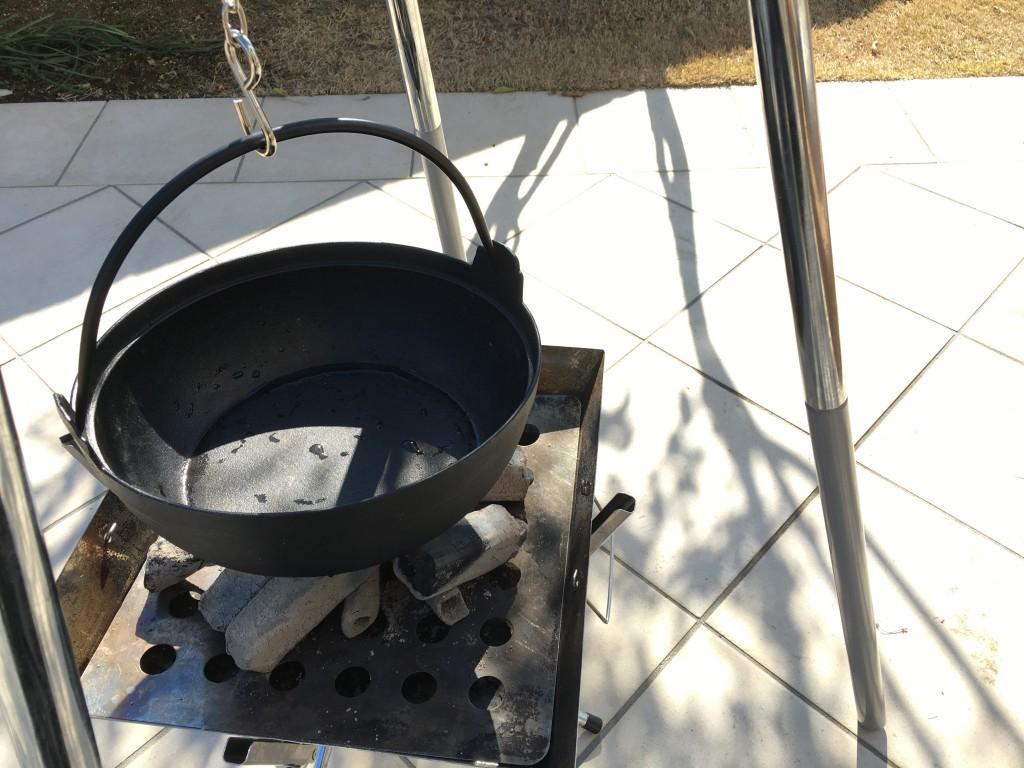 鉄鍋+炭は予想以上に美味しくできる