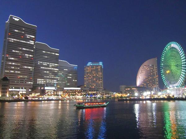 夜の横浜みなとみらい。