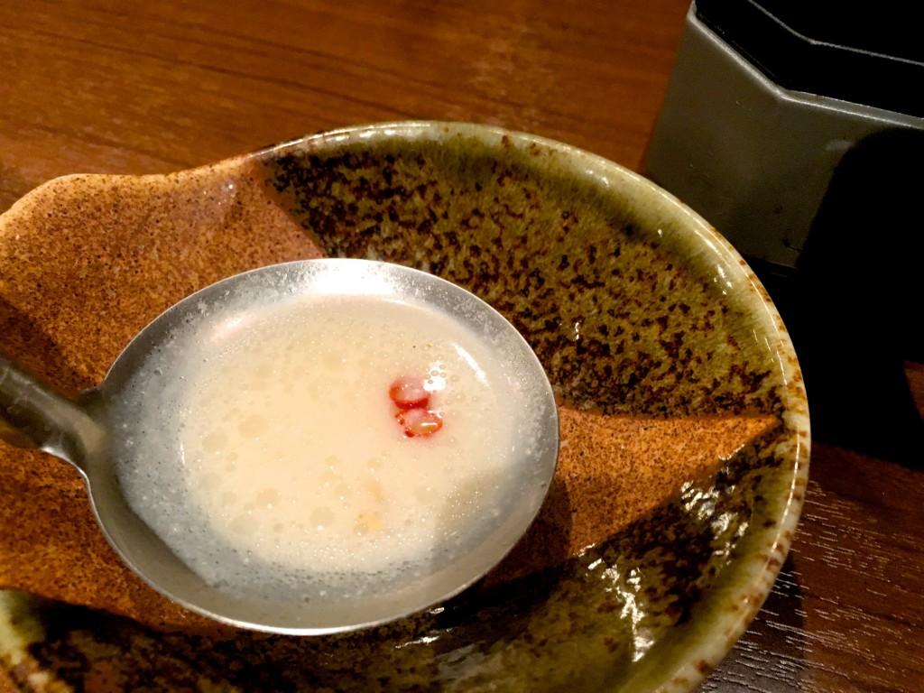 こってりの塩豚骨スープ
