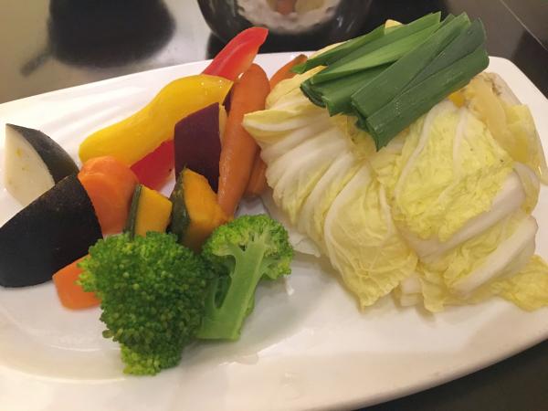 追加の野菜。 ぱっと見イタリアンみたい。