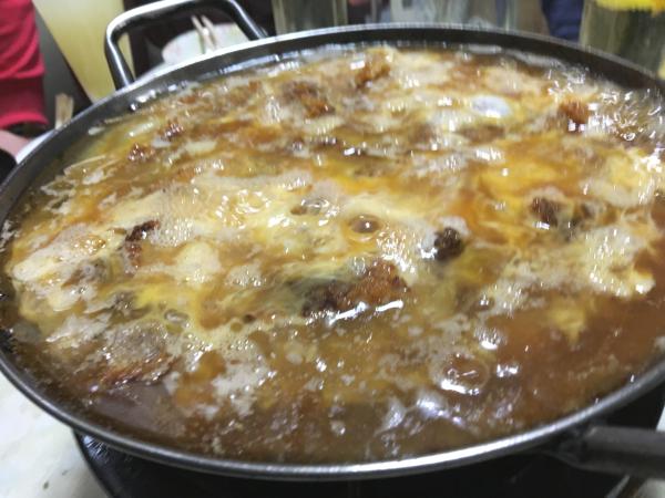最後の鍋は裏メニュー「カツ煮」。これがまたヤバイ!