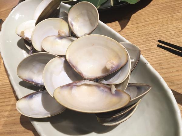 食後の貝殻。