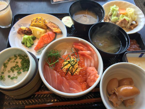 日本一の朝食(馮バージョン)。 胃袋が足りない!