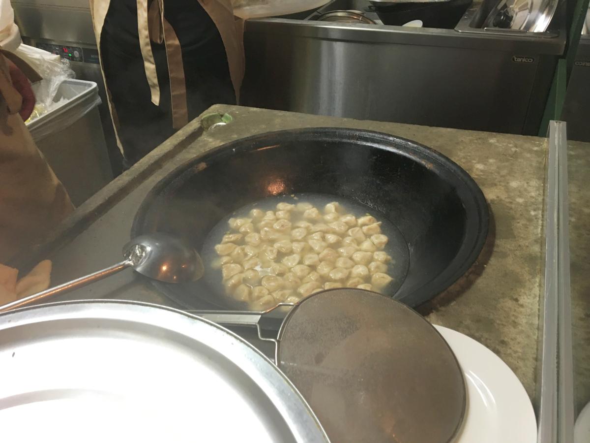 最後に鍋で水餃子まで!