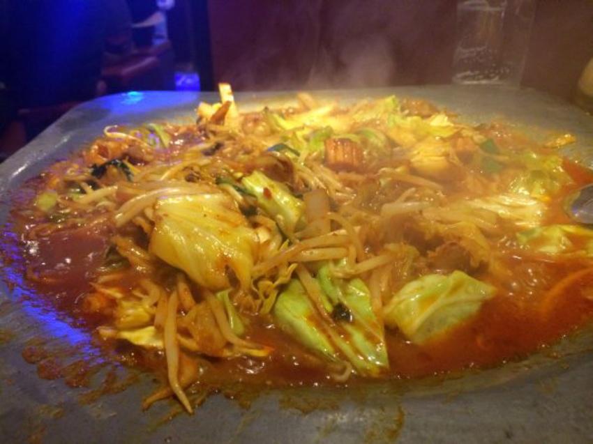 夕日鍋の食べごろは、野菜がスープでくたくたになったころです