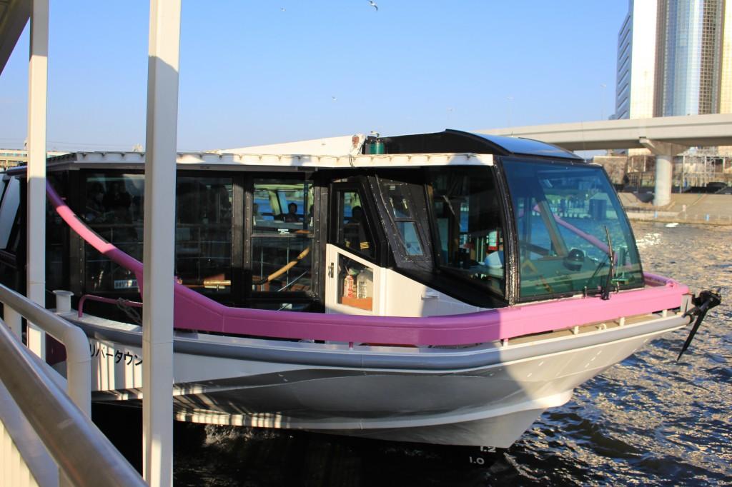 水上バス。なかなか乗る機会はないので楽しみ