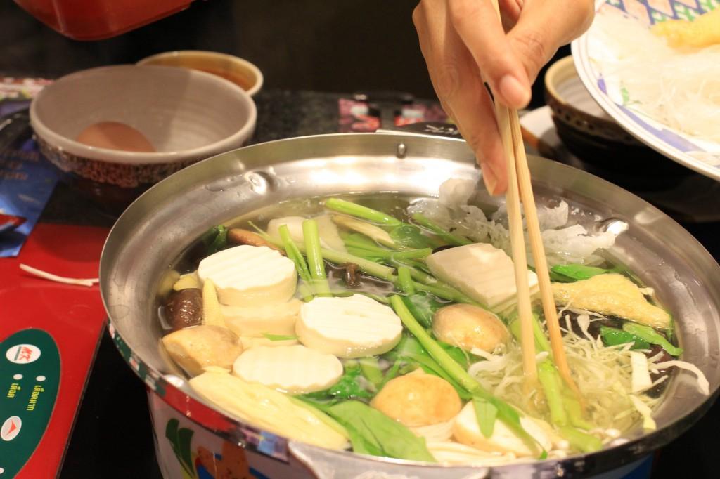 いろんな具材の味がしみ出るスープが絶品