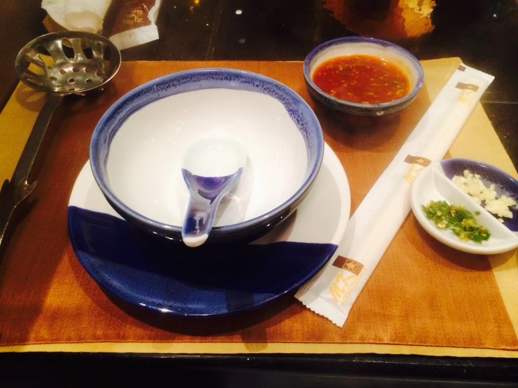 取り皿も質が明らかに違う