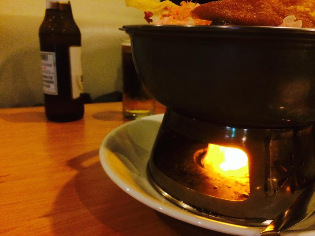 ホーコー鍋の下から火をかける