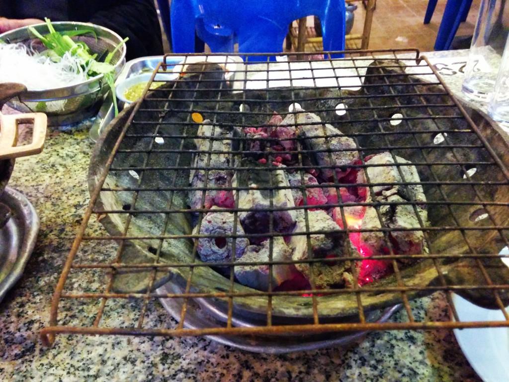 ムーガタ鍋以外に海鮮焼き用のセットが登場
