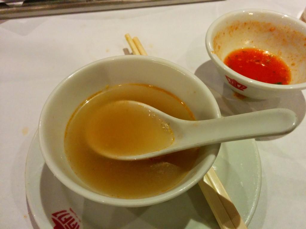 最後は味のしみ出たスープを飲み干す