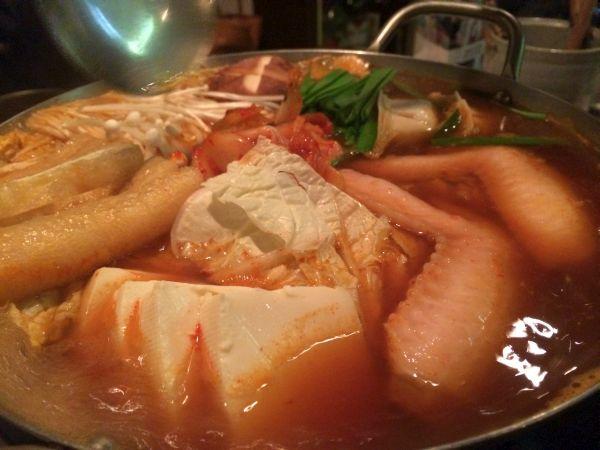 スープをかけて火を通す。