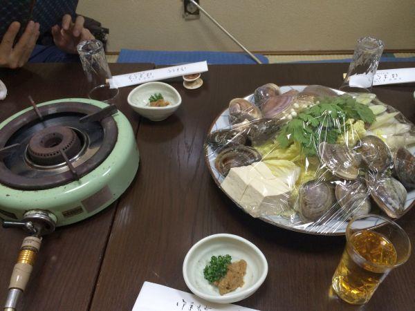 コンロと蛤と野菜。