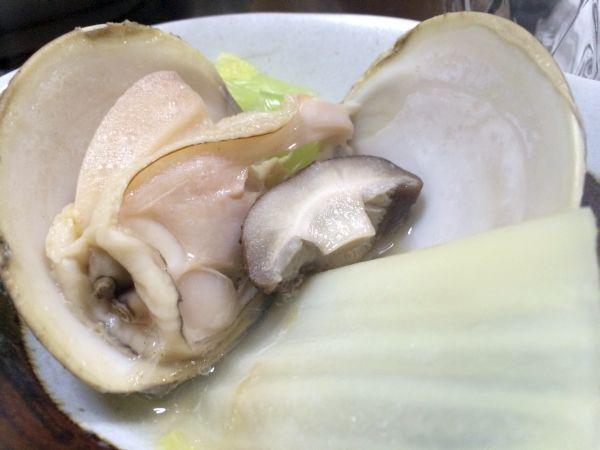 ぷりぷりの蛤がたまらない。さらに出汁にも蛤の旨味がたっぷり。