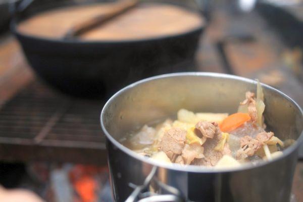小鍋に取り分けて。