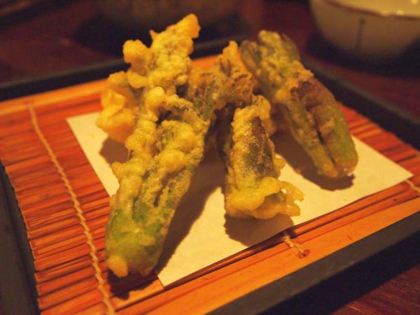 旬の信州たらの芽の天ぷら。 鰆の天ぷらも添えて。