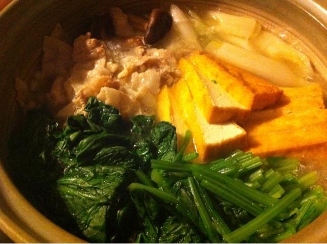 小松菜と言えば常夜鍋。こちらは @typester こと村瀬家のもの。美味そう!