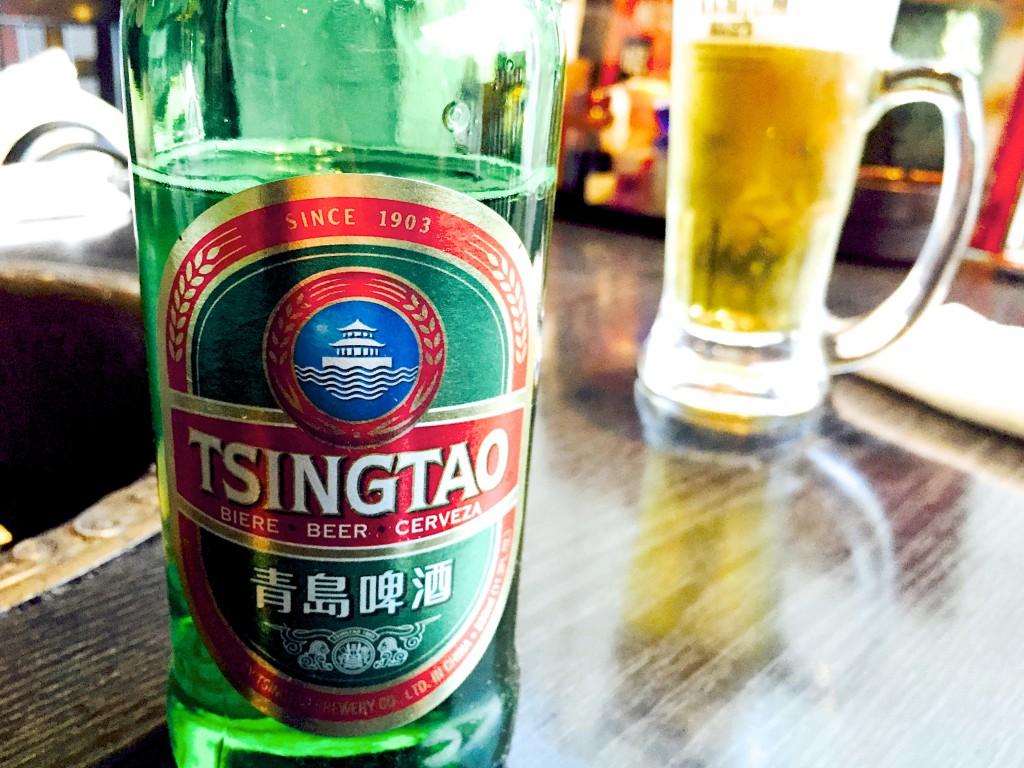せっかくなので、青島ビール。発音は Qīngdǎo Píjiǔ だそう。