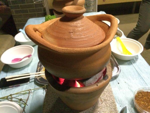 メンバー大崎が本場タイで購入してきたチムチュムの鍋。