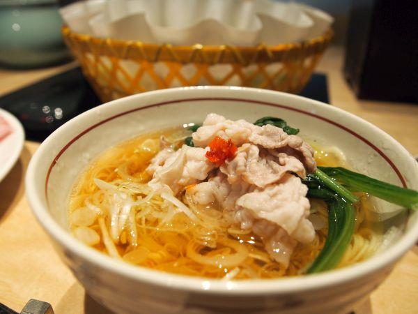 京都の日本料理の技とおもてなしが込められた出汁しゃぶ。