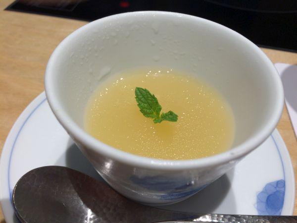柚子ゼリー。さわやかな味わいでした。