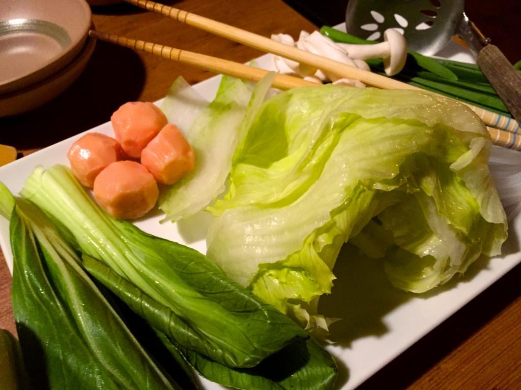 レタスと青梗菜、その他の具材