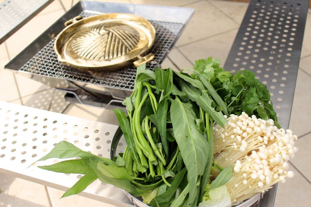 えのきやスイートバジルと一緒にして、野菜の準備完了