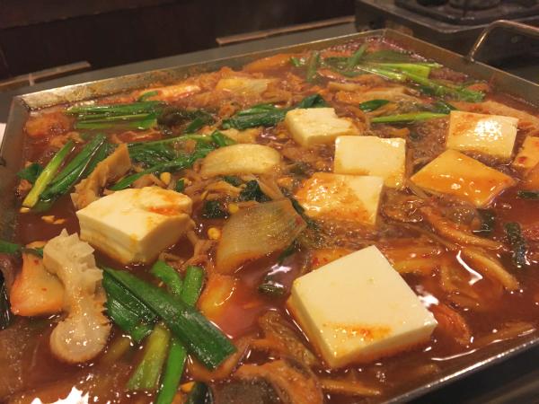 すっかり鍋っぽく。 出汁スープがたっぷり。
