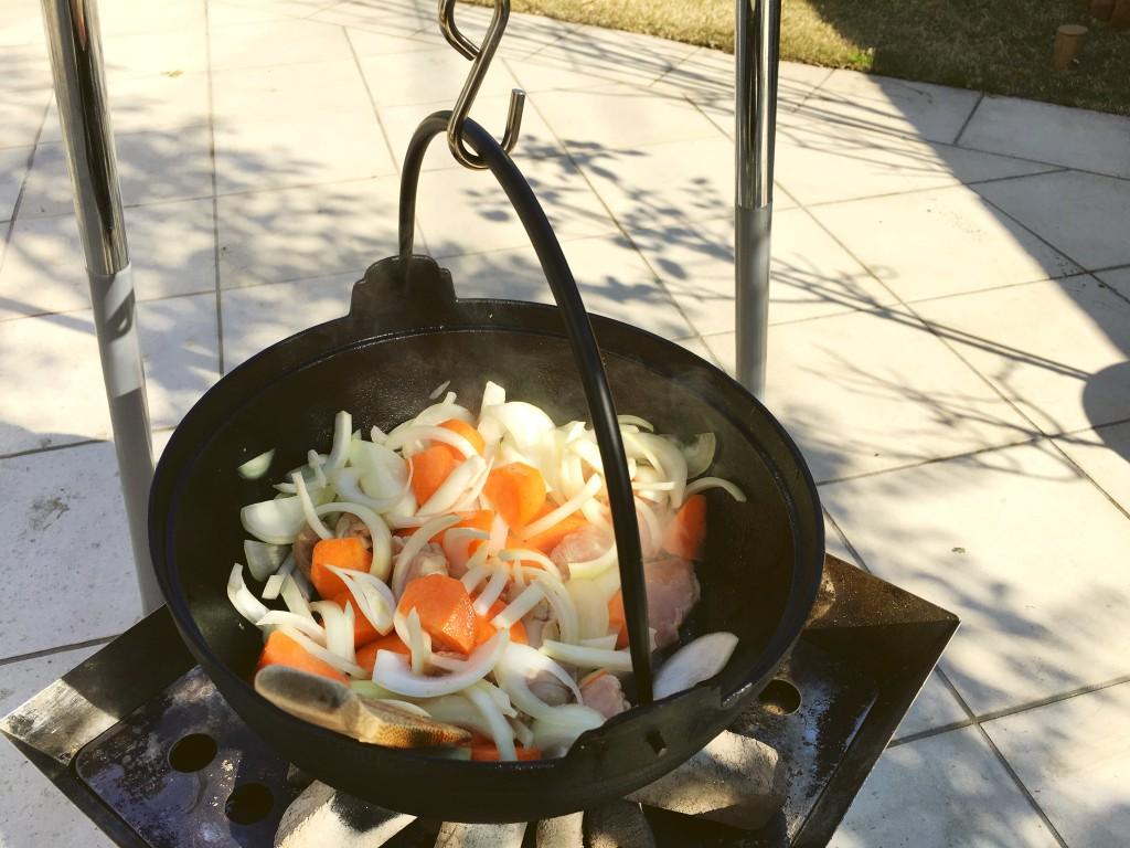 余り食材が美味しいものに変わるのが鍋の良いところの一つ