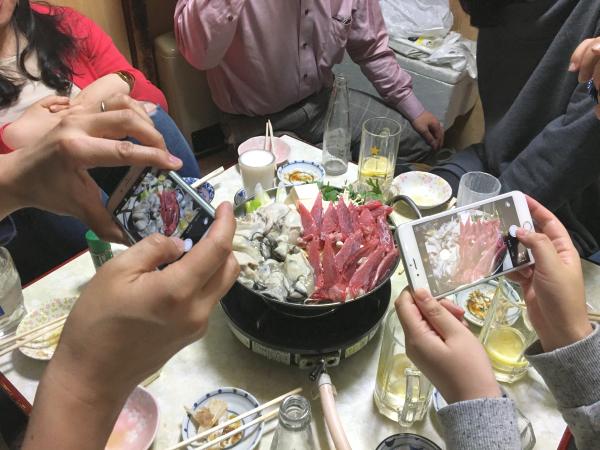 続いて葱鮪牡蠣鍋。 鮪のホホ肉、そして、牡蠣も。