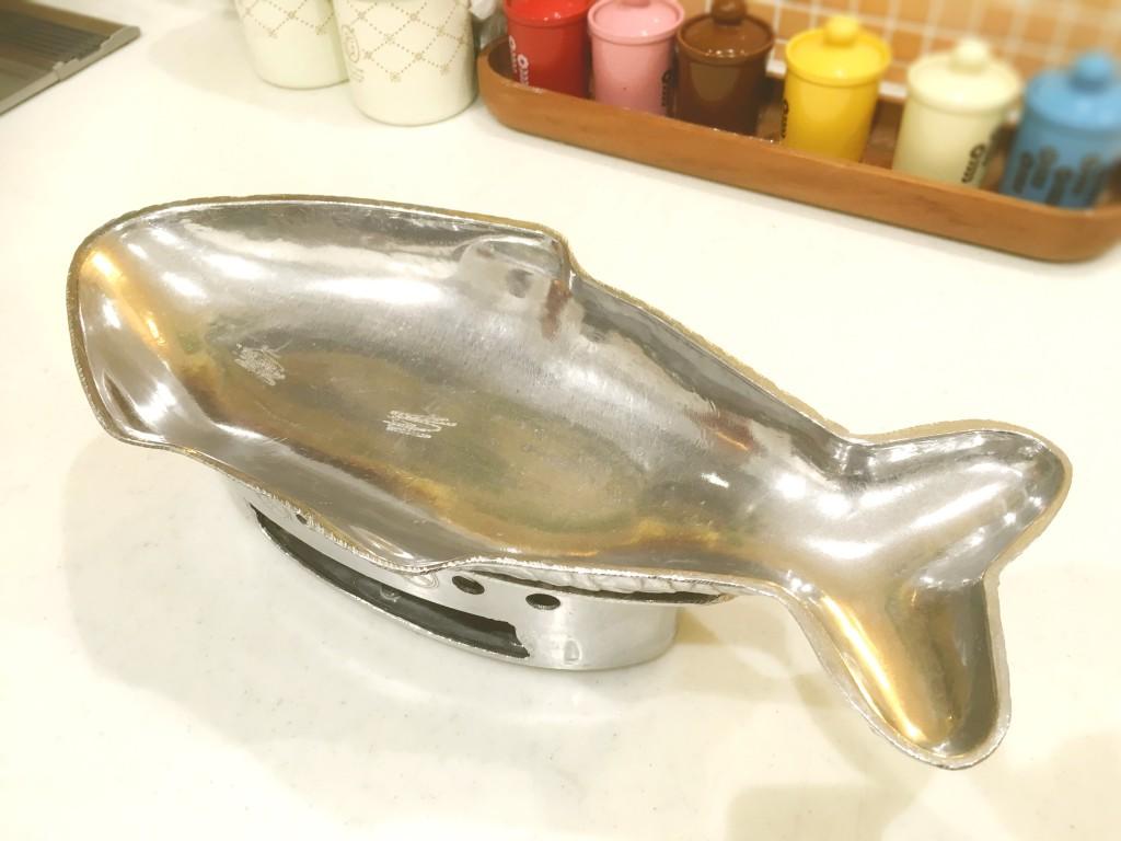 魚の形をした鍋