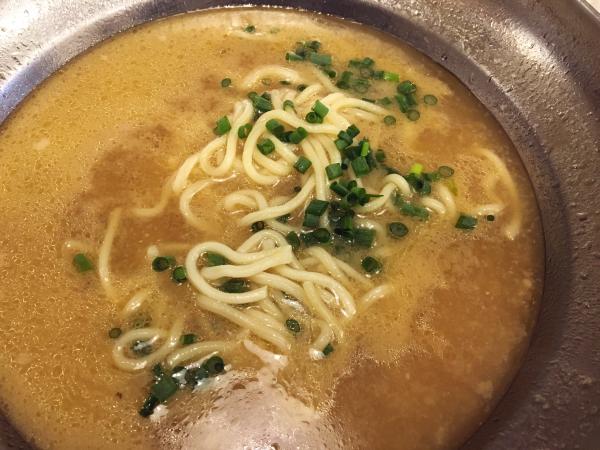 この日の〆はちゃんぽん麺。