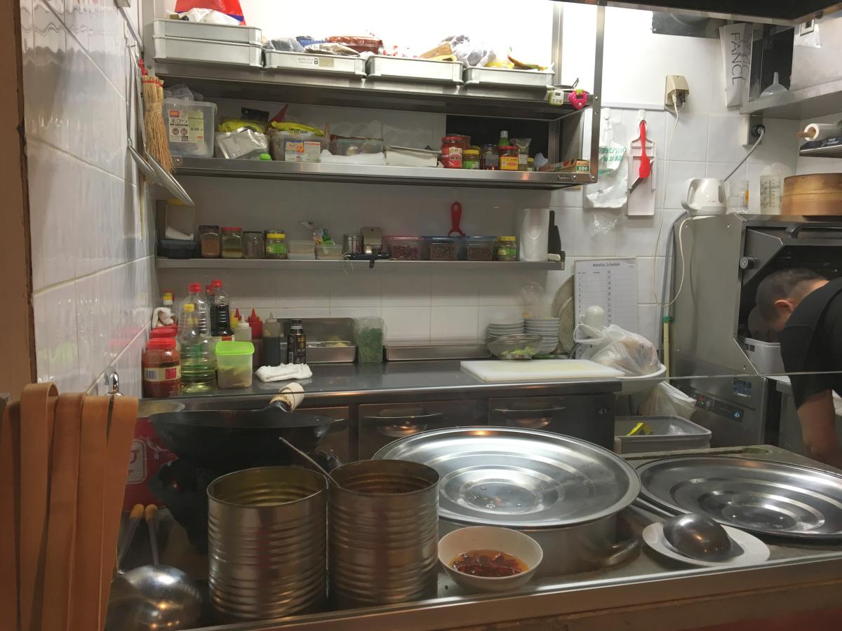 厨房もパチリ。
