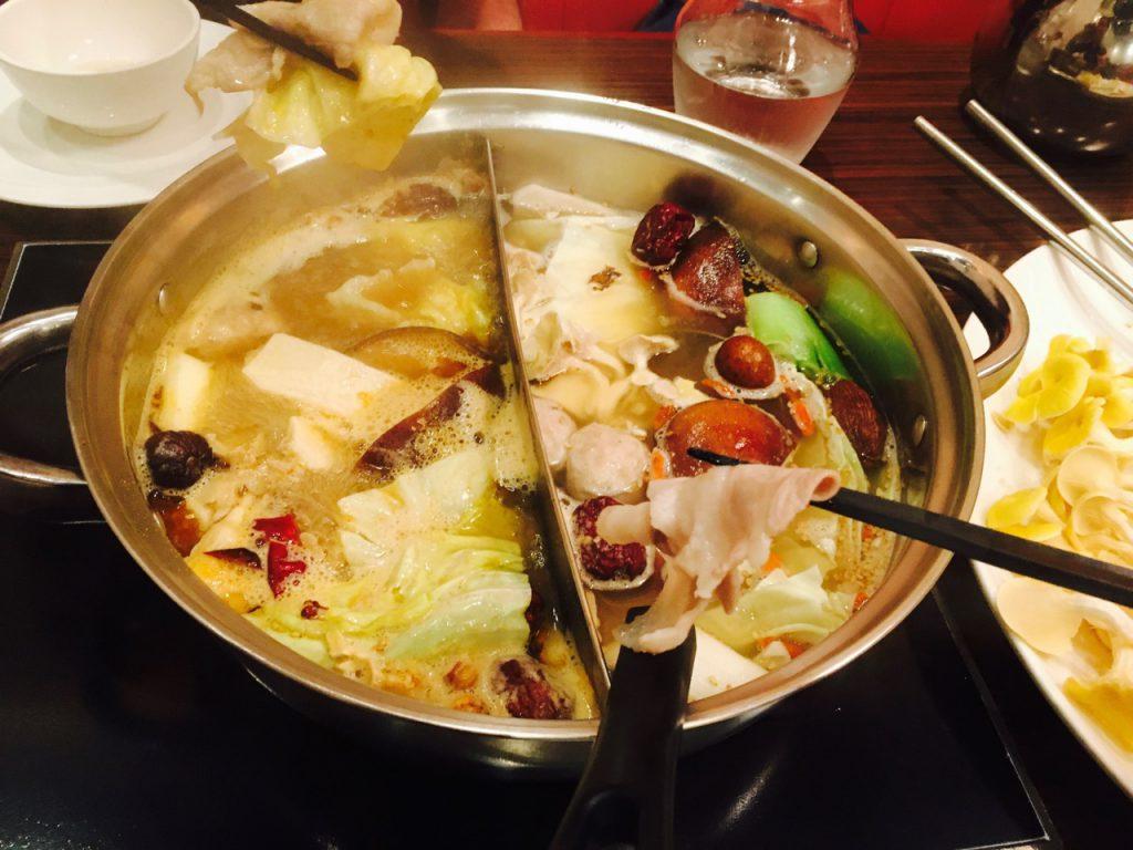 煮立ったところで、豚肉をしゃぶしゃぶしつついただきます!