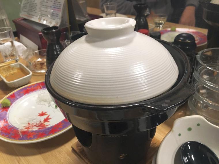 1人前の鍋。でも底は深い。