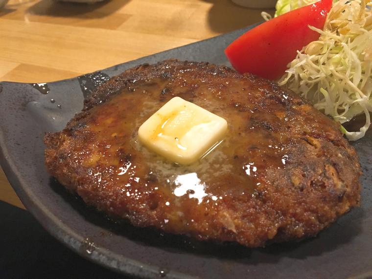 イガメンチステーキ。 弘前に訪れたらとにかく1度、いや、3度はイガメンチを食べてください。