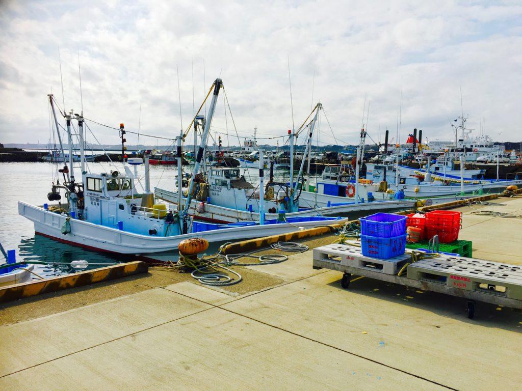 多くの船が停泊する大洗漁港